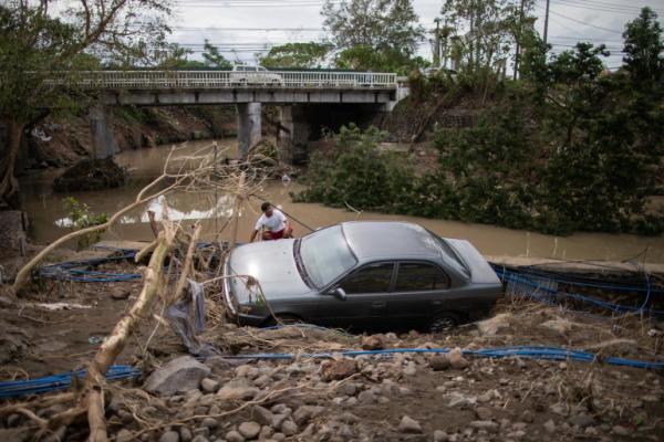 Ciclonul mortal din Filipine a lăsat în urmă zeci de morți