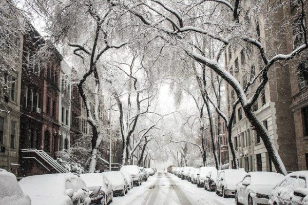 Vin ninsorile în mai multe zone din țară